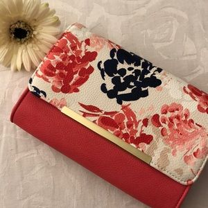 NWT Charming Charlie floral clutch